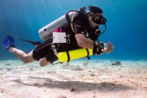 Solo diver at Tekila Beach